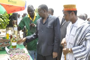 Le Premier ministre encourage le promoteur de la 1ère usine de production de biocarburant au Burkina Faso